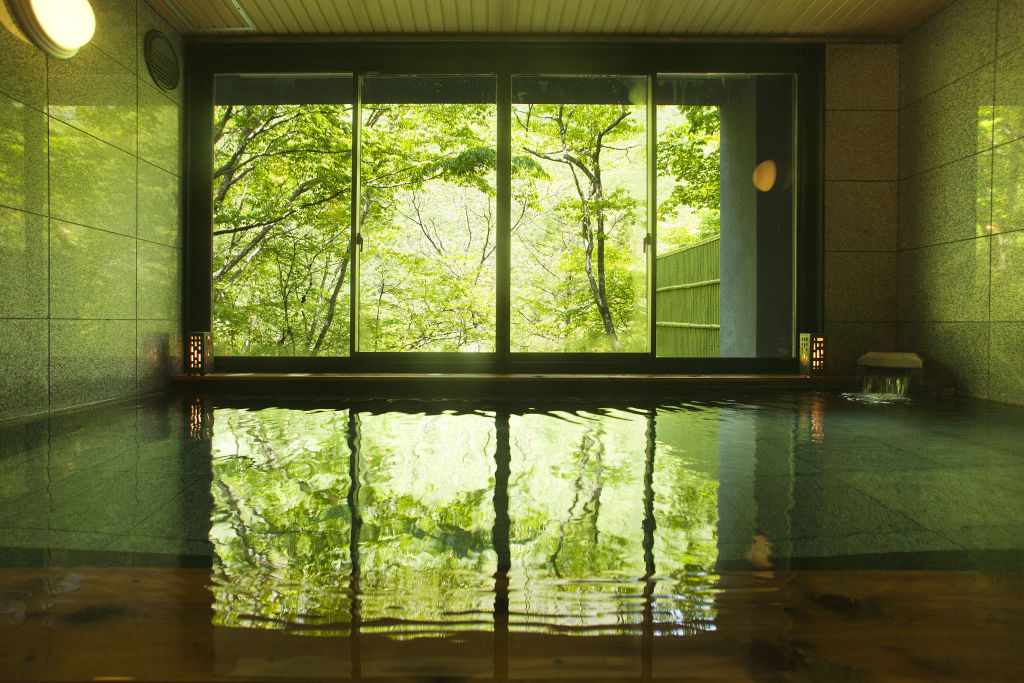 <p>天然温泉大浴場</p>