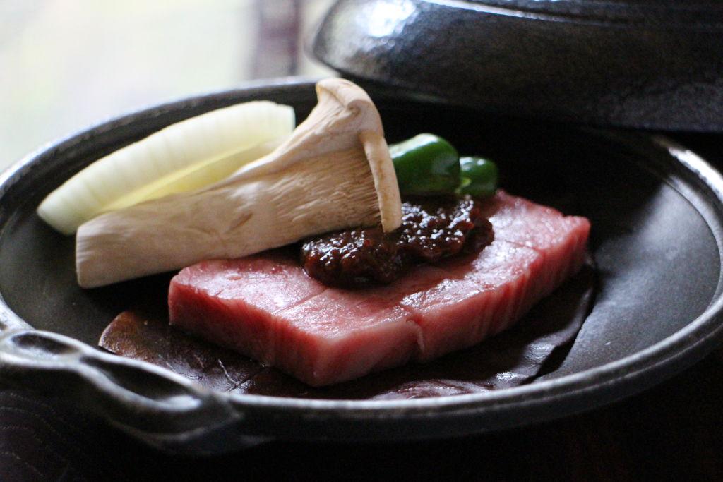 <p>飛騨牛の朴葉ステーキ</p>