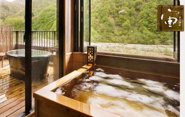 <p>露天風呂付き客室一例</p>